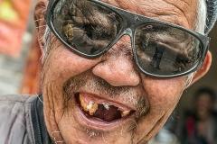 Herbert Rulf mit dem Thema: Der Letzte beißt die Hunde. Zahnlos in China.